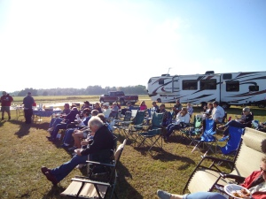 The folks from 31 rigs eating breakfast in the cool breeze.