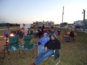 After the sun went down we turned our chairs around for a powerpoint presentation by Howard & Linda of their favorite boondocking places.